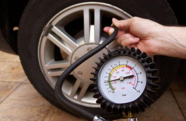 Cách bơm lốp xe ô tô đúng tiêu chuẩn